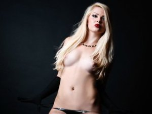 Blonde Webcam Sex von DirtyLora01