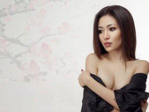Webcam Asian Vrouw sex met FaizaFai