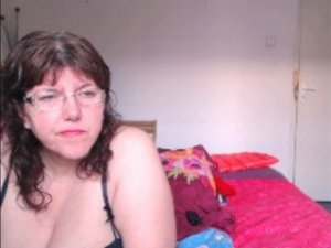 Webcam sex de HugeTitsShow