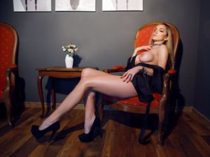 Webcam sex lesbienne de MeganVanWild