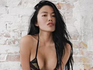 Webcam Asian Vrouw sex met Misscjmila