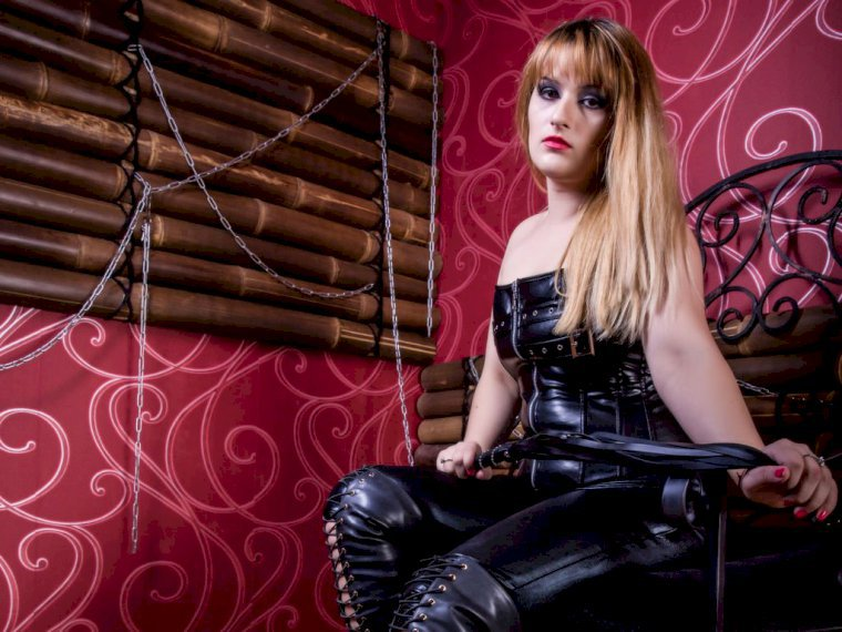 Profil de MistressKendra - Photo n°2