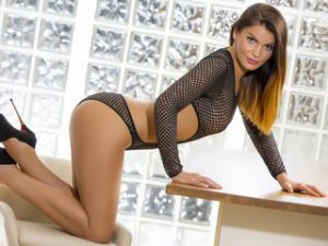 Sesso in webcam ragazza araba con NadineSimar