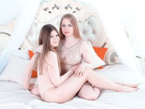 Webcam sex de NancyAndChloe