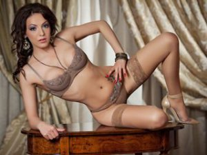Webcam sex brunette de Perlla