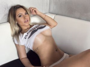 Webcam sex lesbienne de Queensquirt20