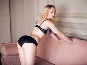 Blonde Webcam Sex von RoseTender
